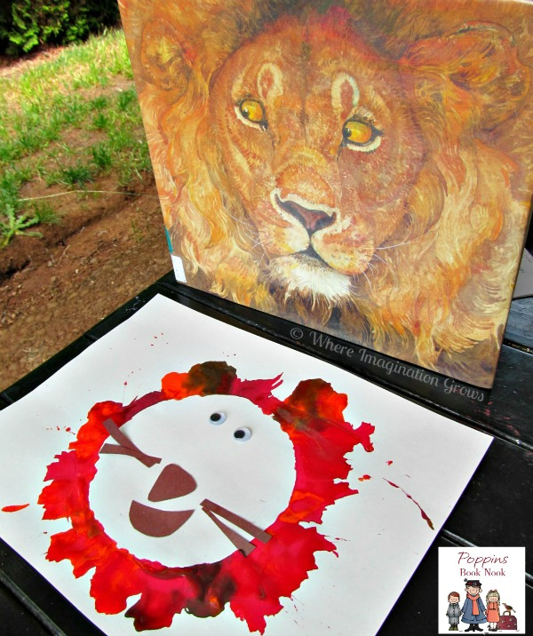 Straw Painting Lion Craft! Use a straw to create a creative lion craft! Perfect for preschoolers and toddlers!