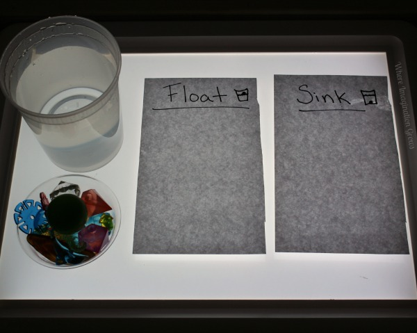 Simple Science for Kids! Sink or Float Experiment on the Light Table